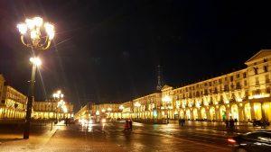 Piazza Vittorio Venete de nuit Turin
