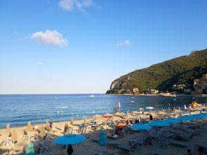 Coucher de soleil sur plage de Noli