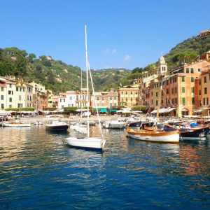 il porto di portofino in estate