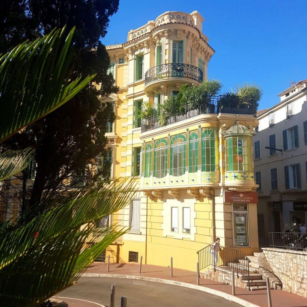 Passegiata nel centro città di Cannes