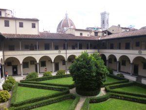 Balade dans le cloitre au calme Florence