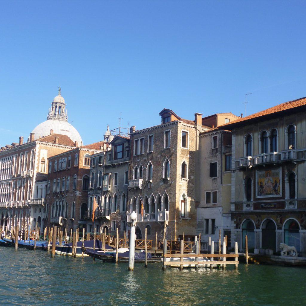 canali di venezia passegiata