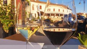 degustation de vin à Serralunga d'alba