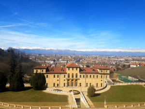 Villa Regina et sa vue sur les Alpes