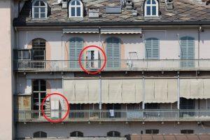 italiens et armoires sur le balcon