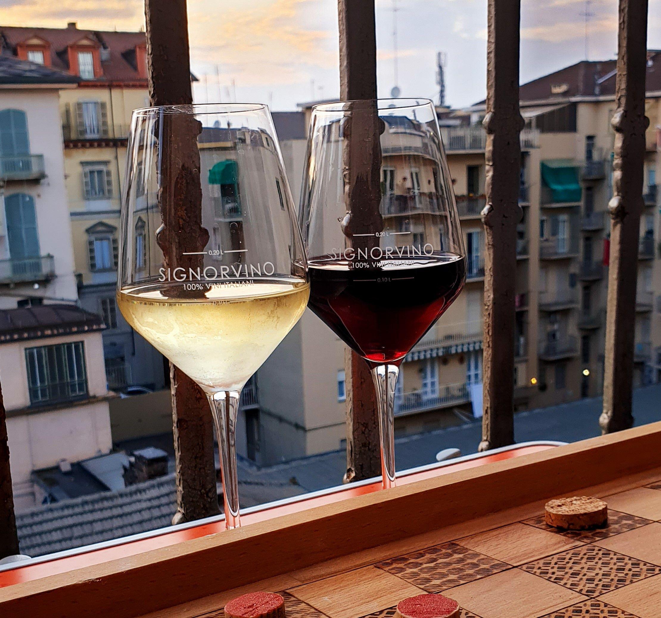 Les italiens et le mystère du balcon
