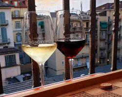 Gli italiani e il mistero del balcone